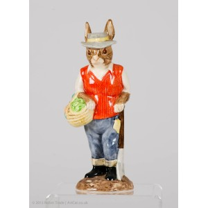 BESWICK Country Folk 'The Gardener Rabbit'